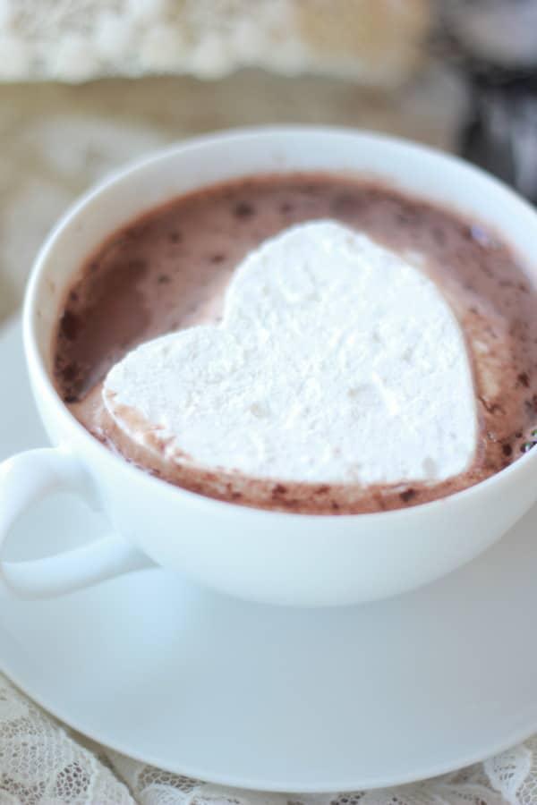 Homemade Marshmallows- Baker Bettie