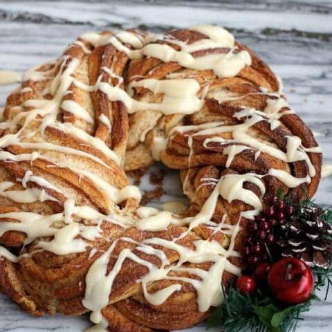 Cinnamon Roll Wreath