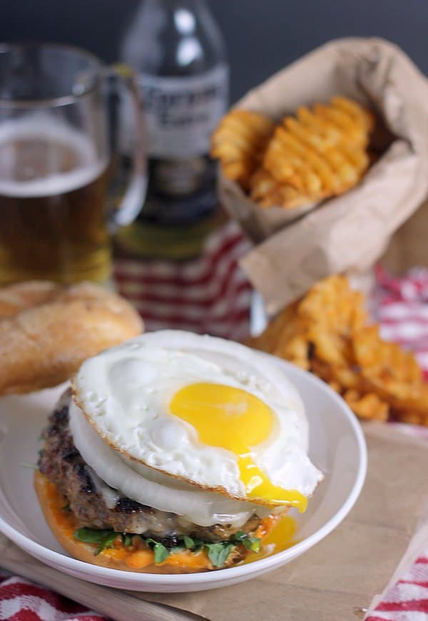 chorizo-burgers-fried-egg