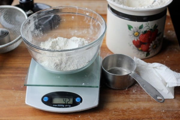How To Measure Flour Correctly, Measuring by Volume- Baker Bettie