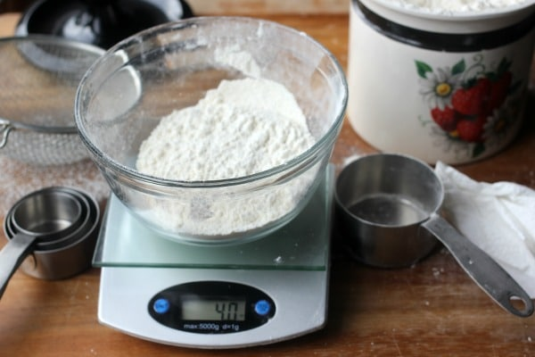 How To Measure Flour Correctly, Sifted Flour- Baker Bettie