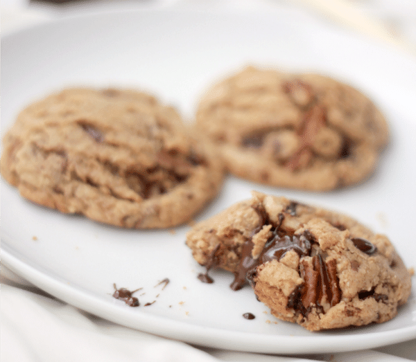 Follow these 10 cookie baking tips to make your own perfect chocolate chip cookies!
